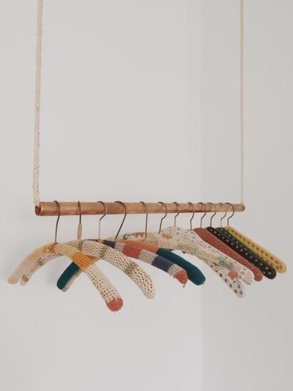 Derzeit sehr beliebt unter den DIY Ideen: die Kleiderstange