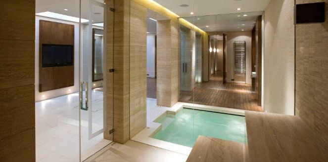 Steam room doors and frameless screens - Hampshire - Leisurequip ...