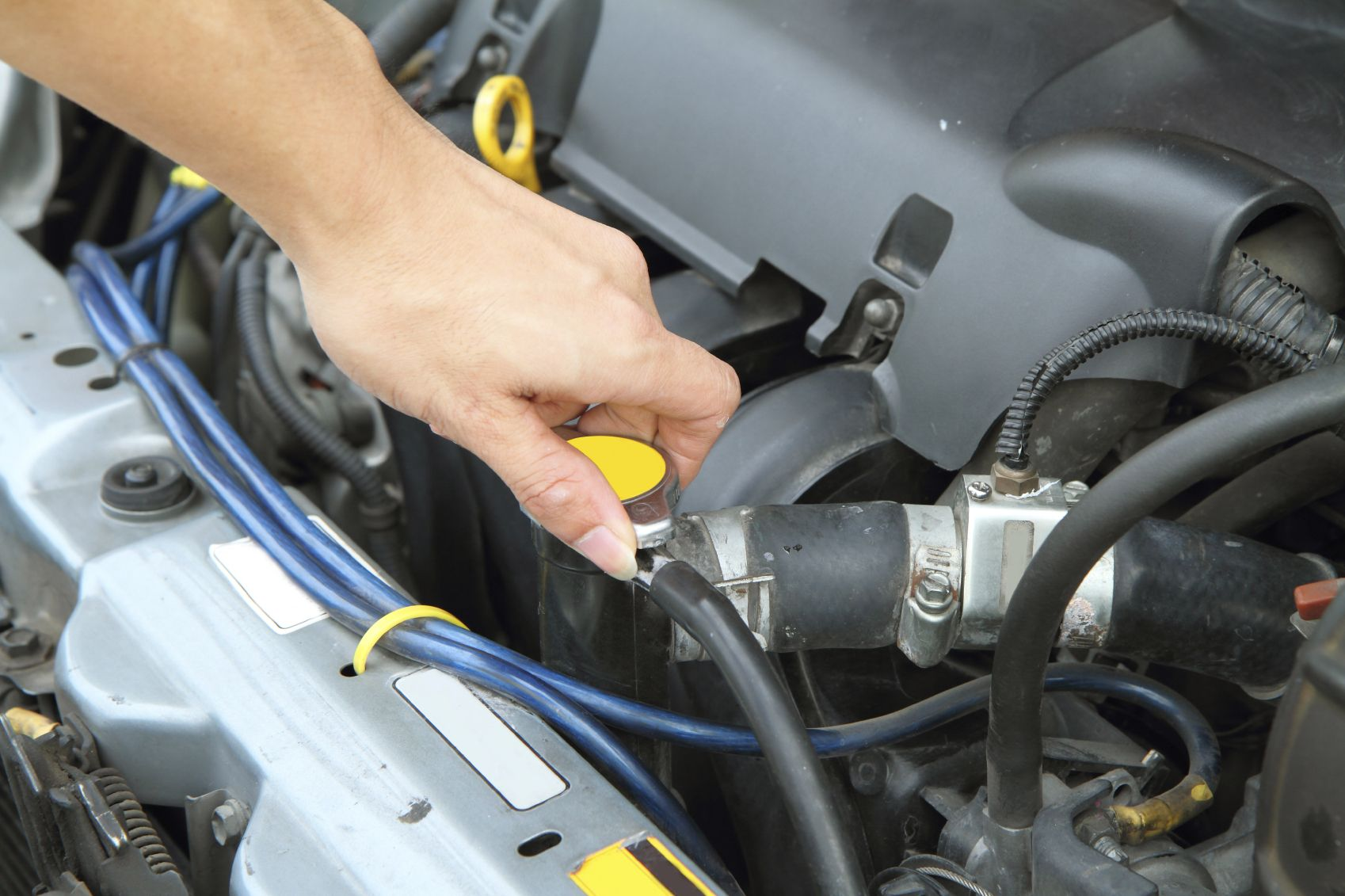 Know how your vehicle\'s coolant system works and what the internal ...
