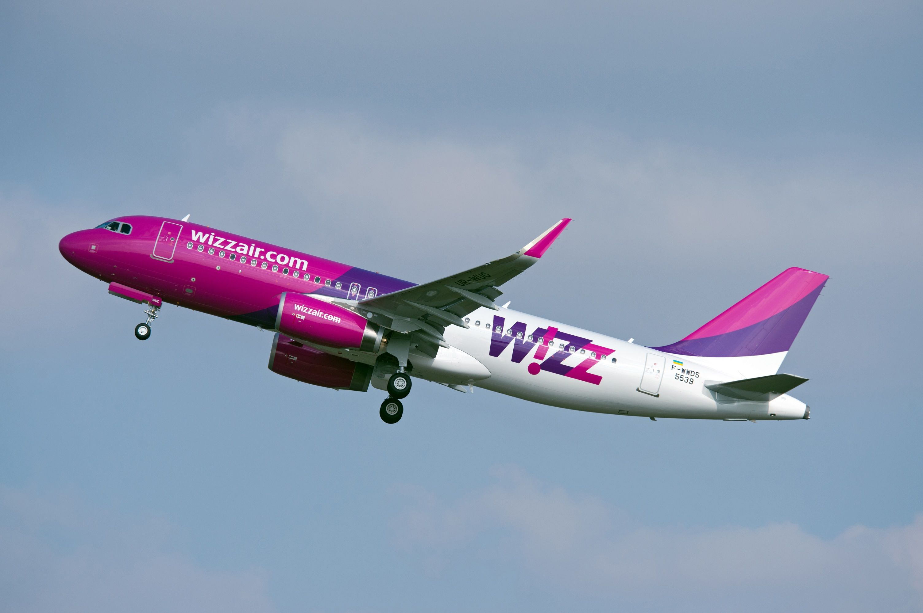 Wizz Air Ukraine takes delivery of its first Sharklet
