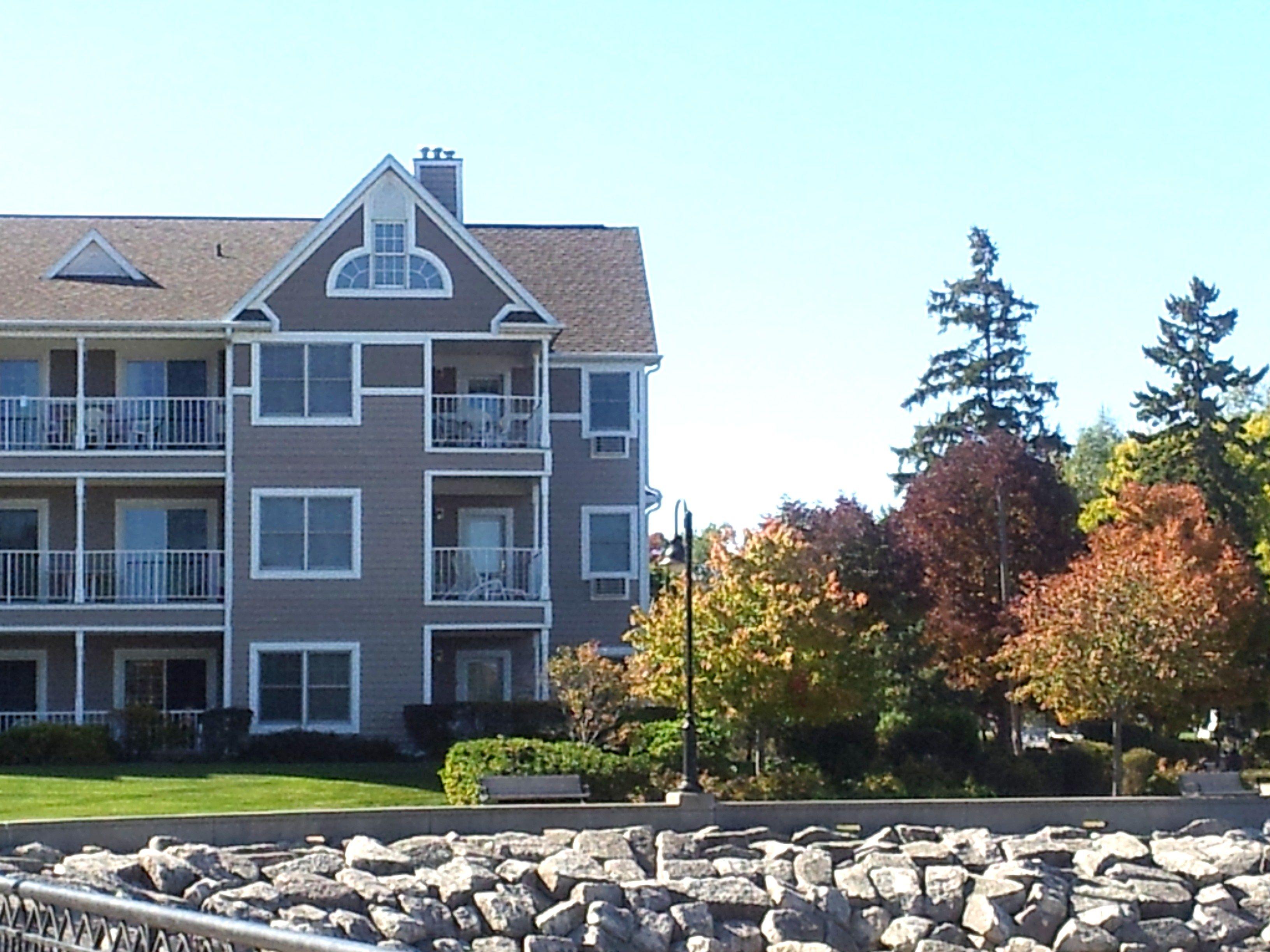 Bridgeport Waterfront Resort In Door County Wisconsin Door County Lodging Door County Door County Hotels