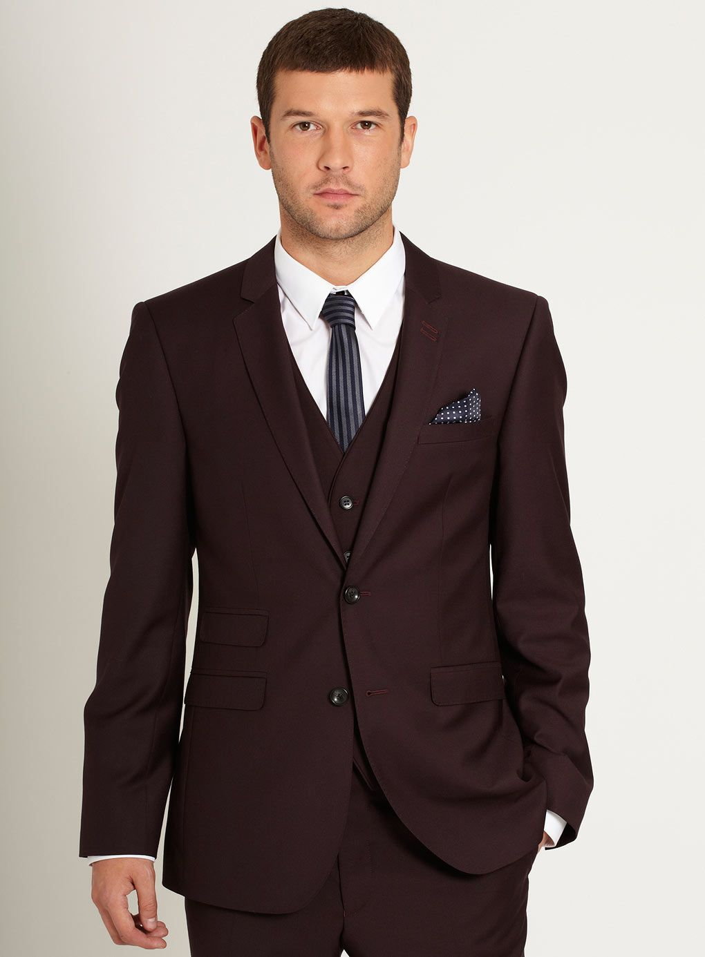 Burgundy slim fit suit with waistcoat mens outfits