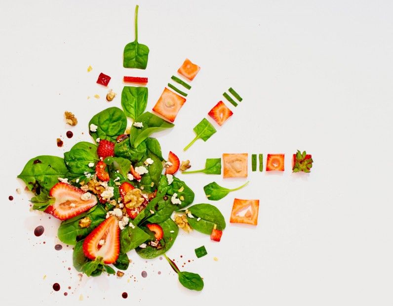 Strawberry & baby spinach salad