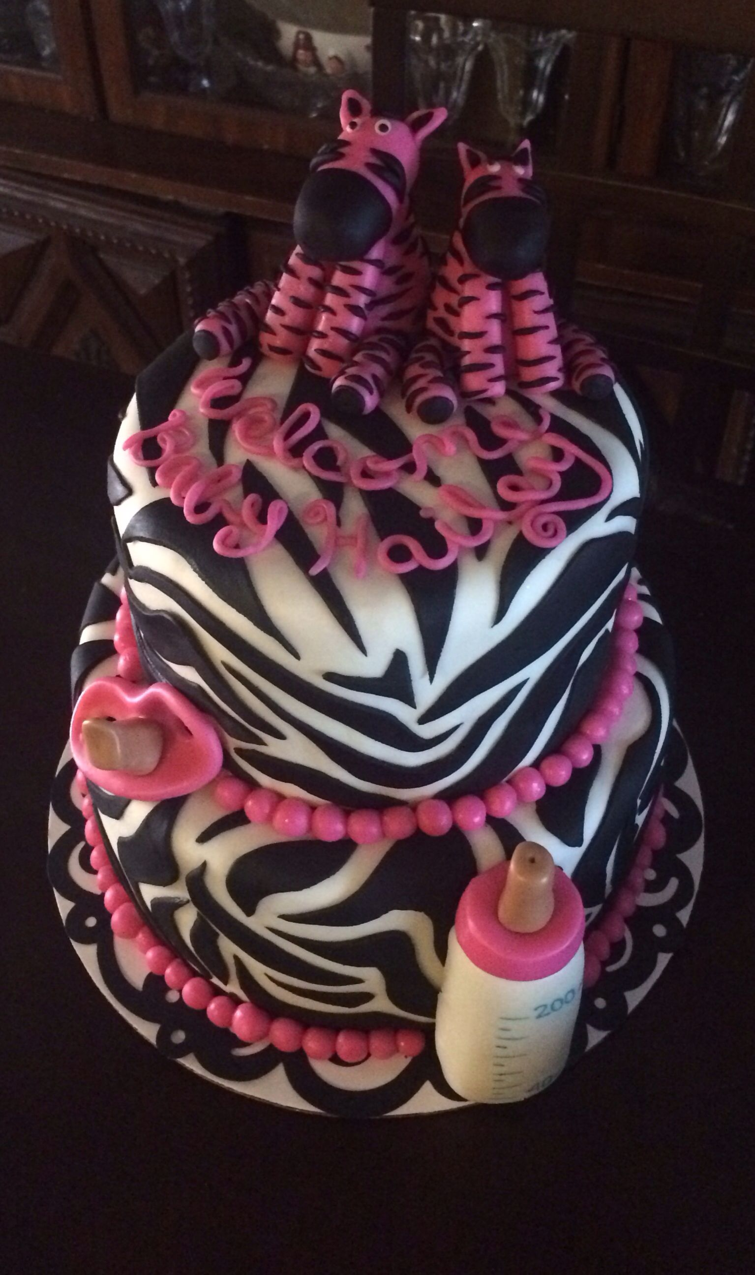 Welcome Baby Cake Decoration : Zebra Fondant Baby Shower Cake
