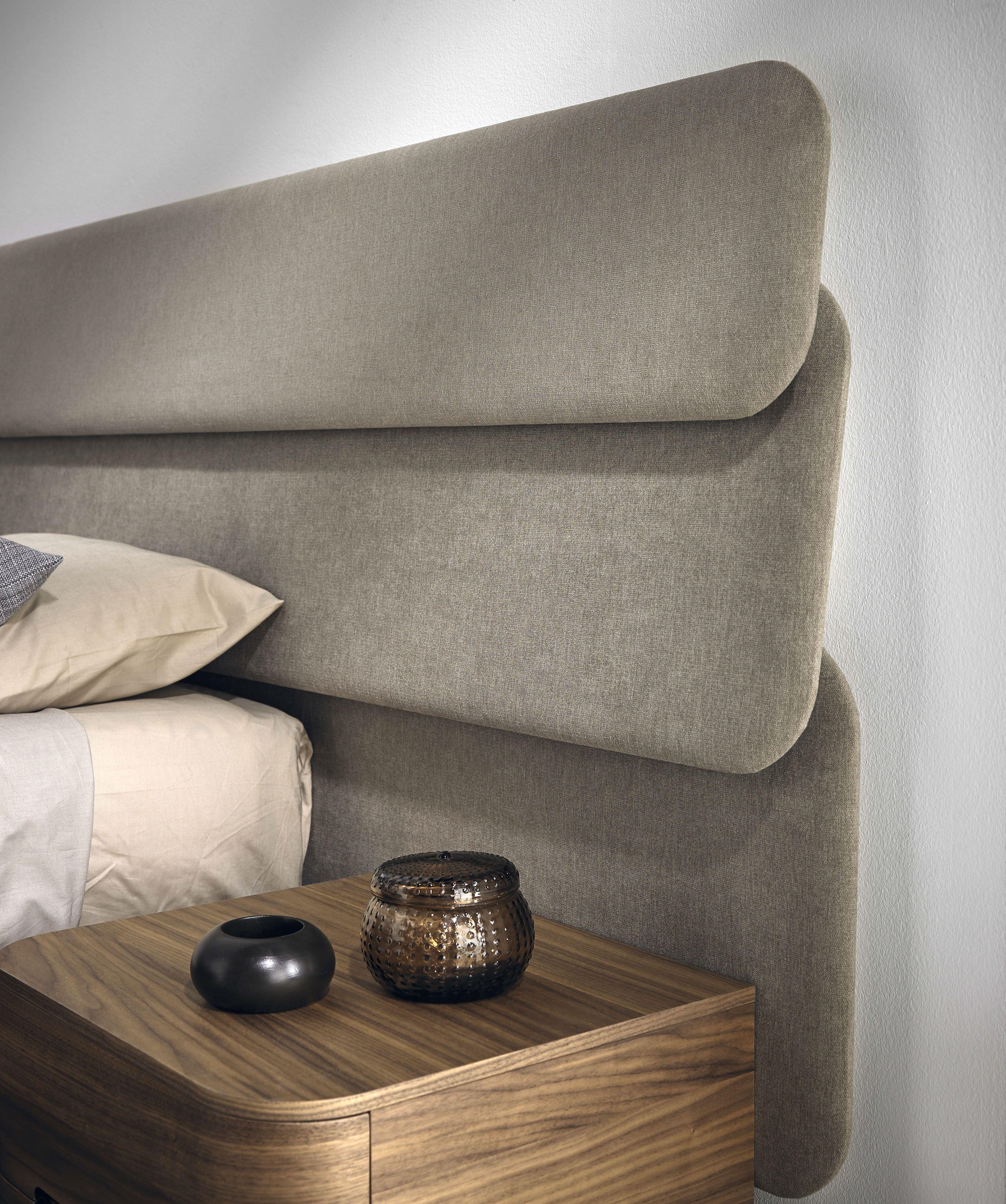 Las Sensaciones De Tranquilidad Y Calma Que Sugiere La Horizontalidad De Una Linea Son El Punto De Part Bed Headboard Design Bed Back Design Bedroom Bed Design