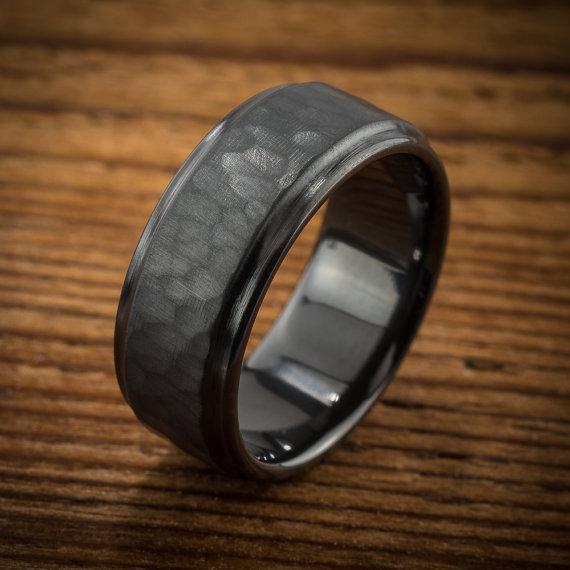 Men S Wedding Band Comfort Fit Interior Hammered Black By Spexton Black Wedding Rings Mens Wedding Rings Wedding Rings Vintage