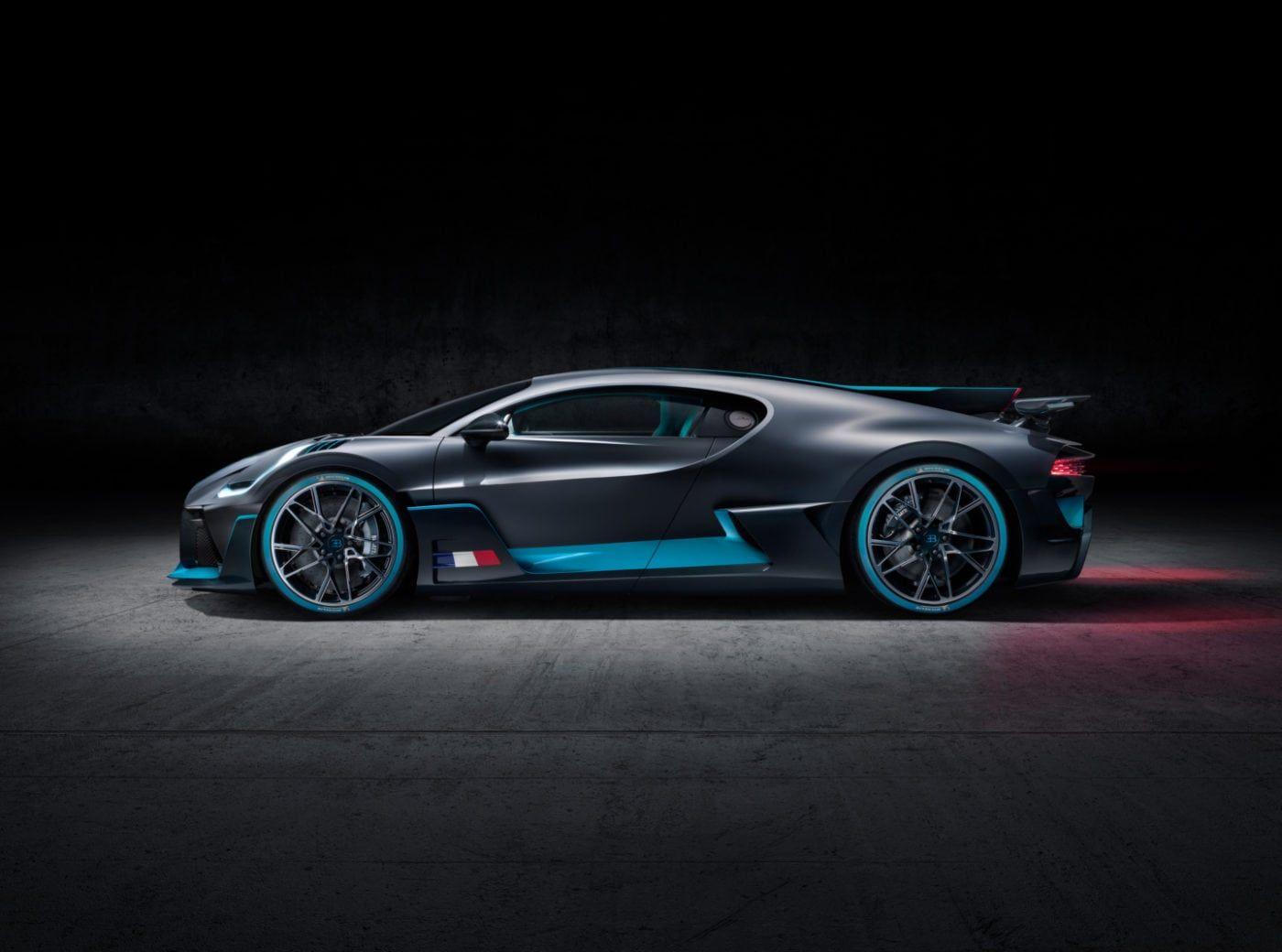 Bugatti Divo Price Specs Photos And Review Bugatti Sports Car Wallpaper Black Car Wallpaper