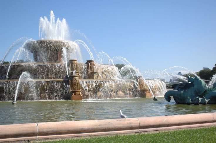 Buckingham Fountain Chicago Movie Map Hotels Restaurants