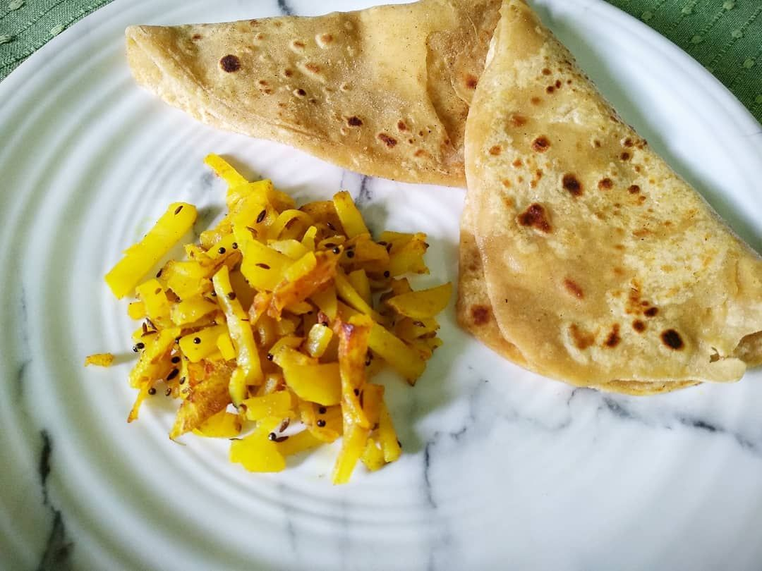 Parathas and potato fry....basic breakfast... Made by maa... #parathas #potatofr... #basicfood #breakfast #desifoodie #desirecipes #easycooking #easyrecipes #foodaddict