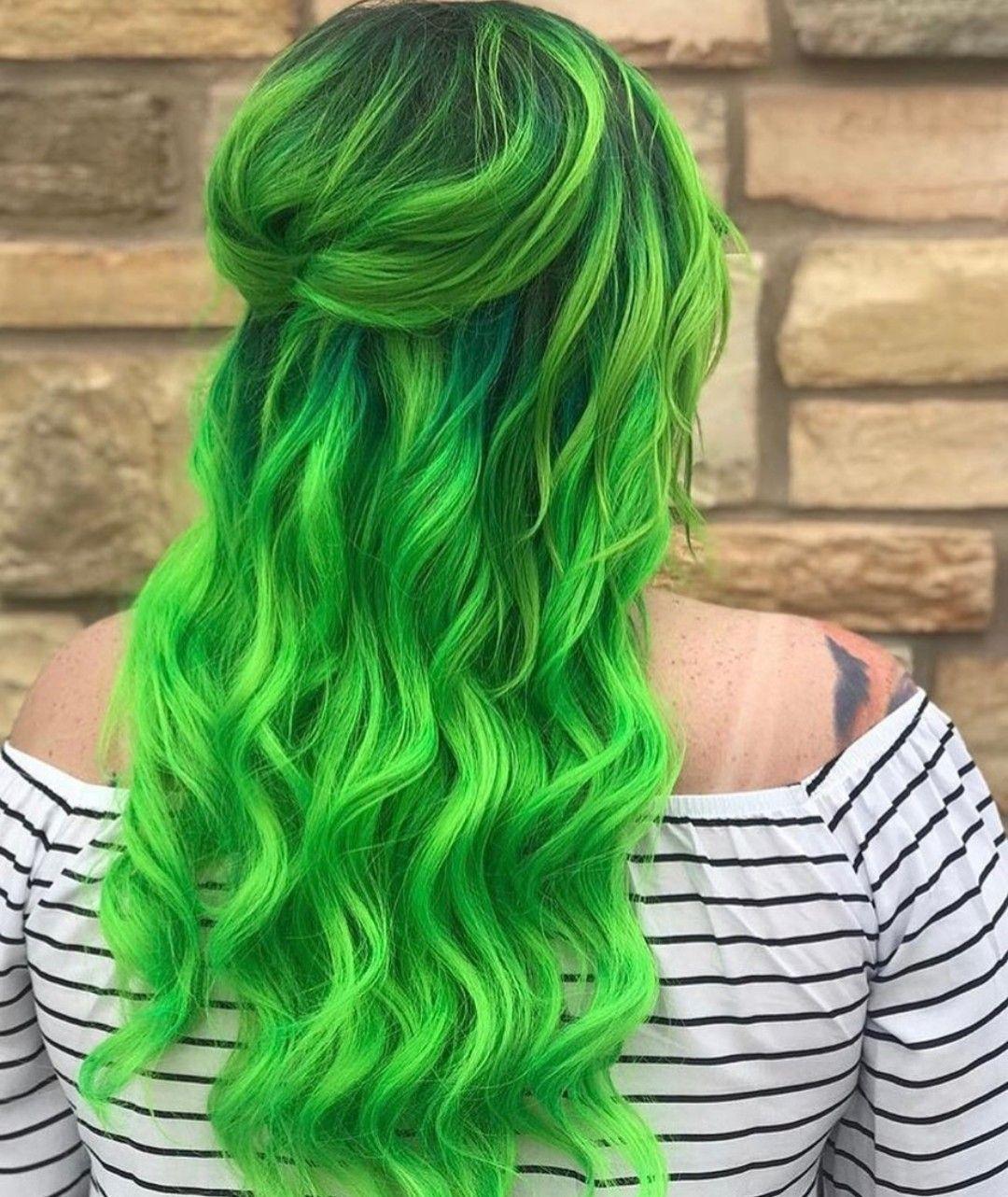 30 Glamorous Green Hair Styles Momooze Com 2: M AROSE Adl Kullan C N N HAIR Panosundaki Pin