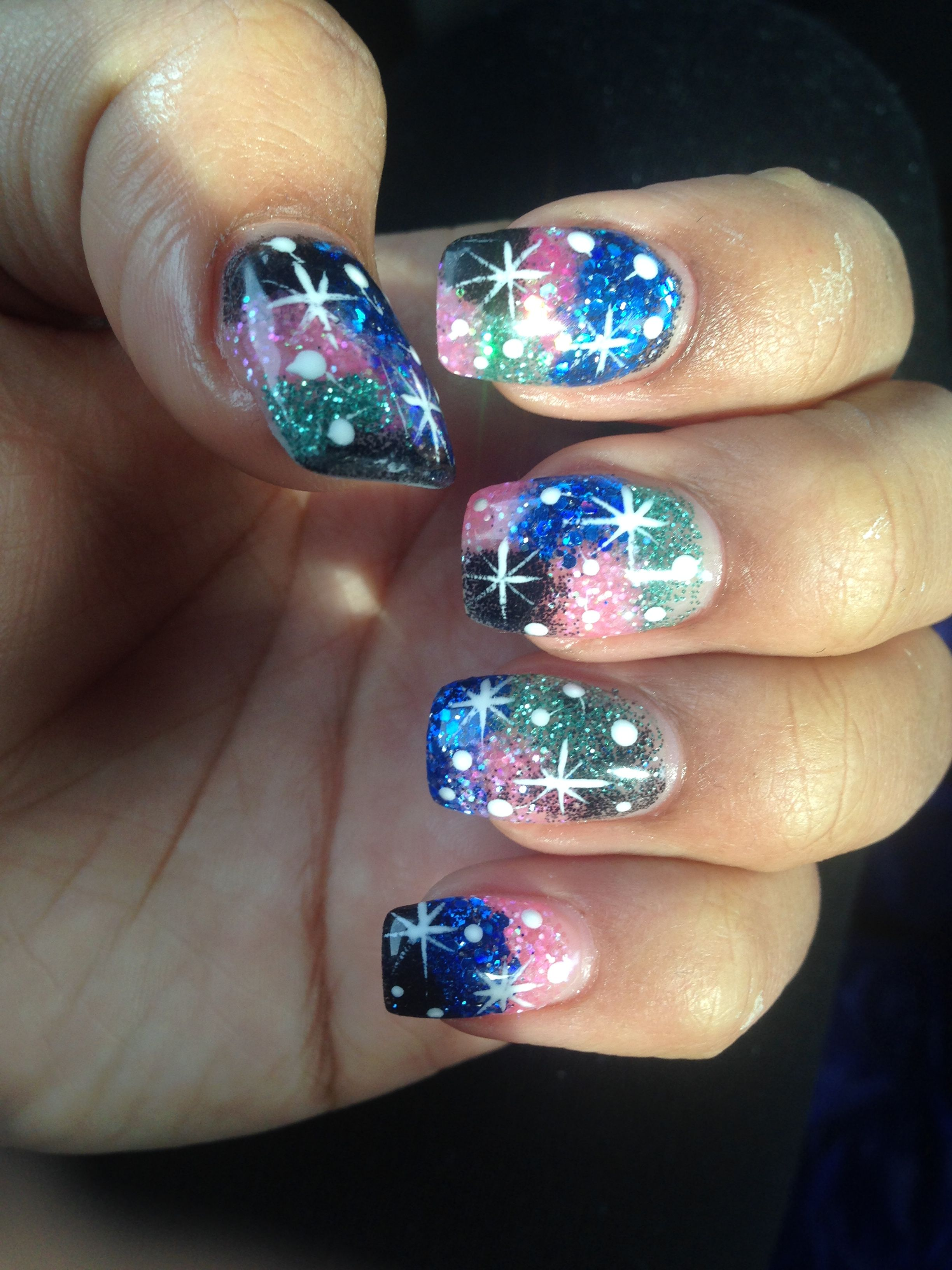T Pro Nails Put Green Blue Black Purple And Pink Sparkles With A White Design For The Stars Pink Sparkles Black Nail Designs Purple Design