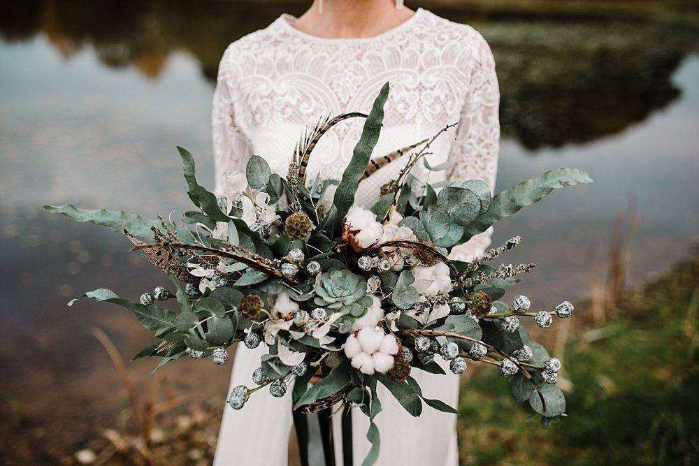 Winter Bouquet In 2020 Tipi Wedding Inspiration Tipi Wedding