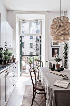 Fresh Esstisch in der K che Bambus Lampe Skandinavisch minimal