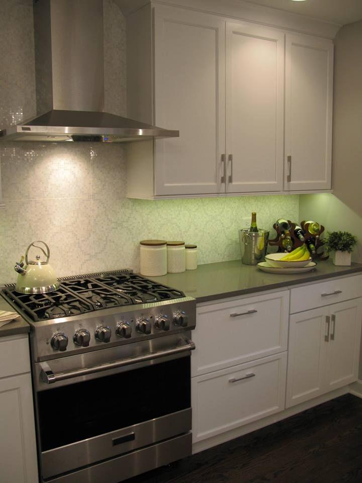 Mosiac Kitchen Tile Deco Nacare Blanco From Porcelanosa Kitchen Tile Kitchen Kitchen Cabinets