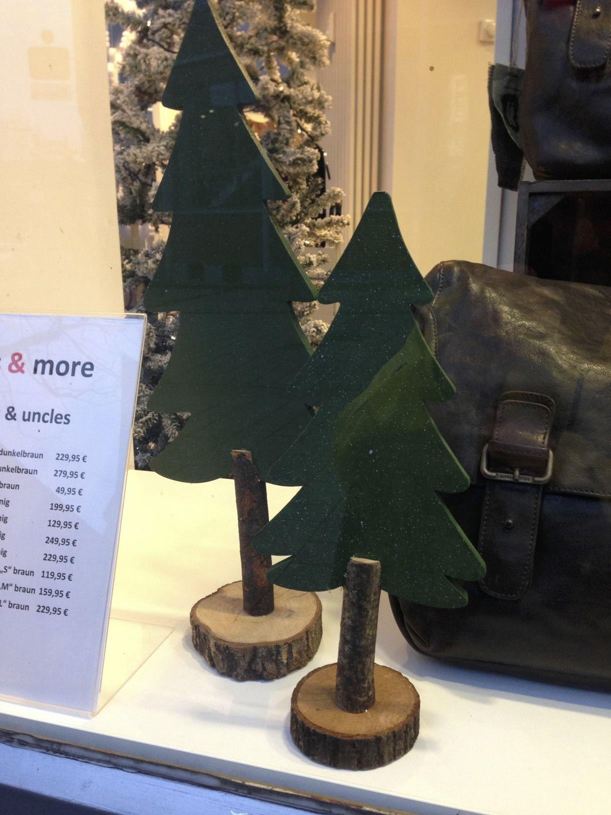 weihnachtsb ume aus holz holz pinterest. Black Bedroom Furniture Sets. Home Design Ideas