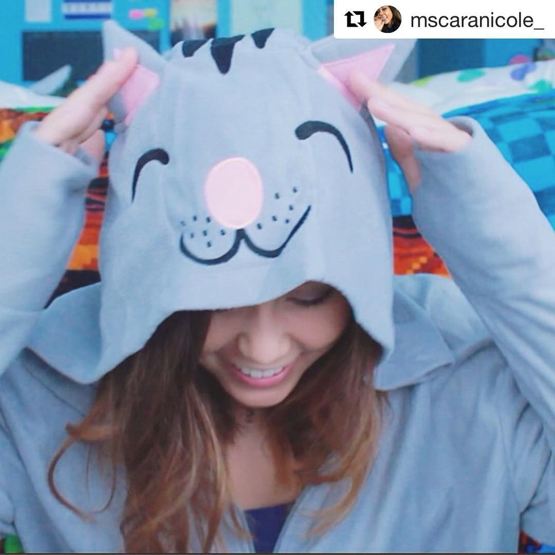 Shout out to one of our fan favorites slaying this Soft Kitty onesie!  Get yours here: www.tvstoreonline.com/Tv-shoes/the-big-bang-theory/  #Repost @mscaranicole_ ・・・ Reminder if you haven't seen my new video, then you're missing out on the adorableness of this onesie  #TVSO #myTVSO #fans #ootd #tvsobigbangtheory #bigbangtheory #thebigbangtheory #kaleycuoco #sheldoncooper #sheldon #bazinga #thebigbangtheory #jimparsons #johnnygalecki #penny #leonardhofstadter #simonhelberg #howardwolowitz…