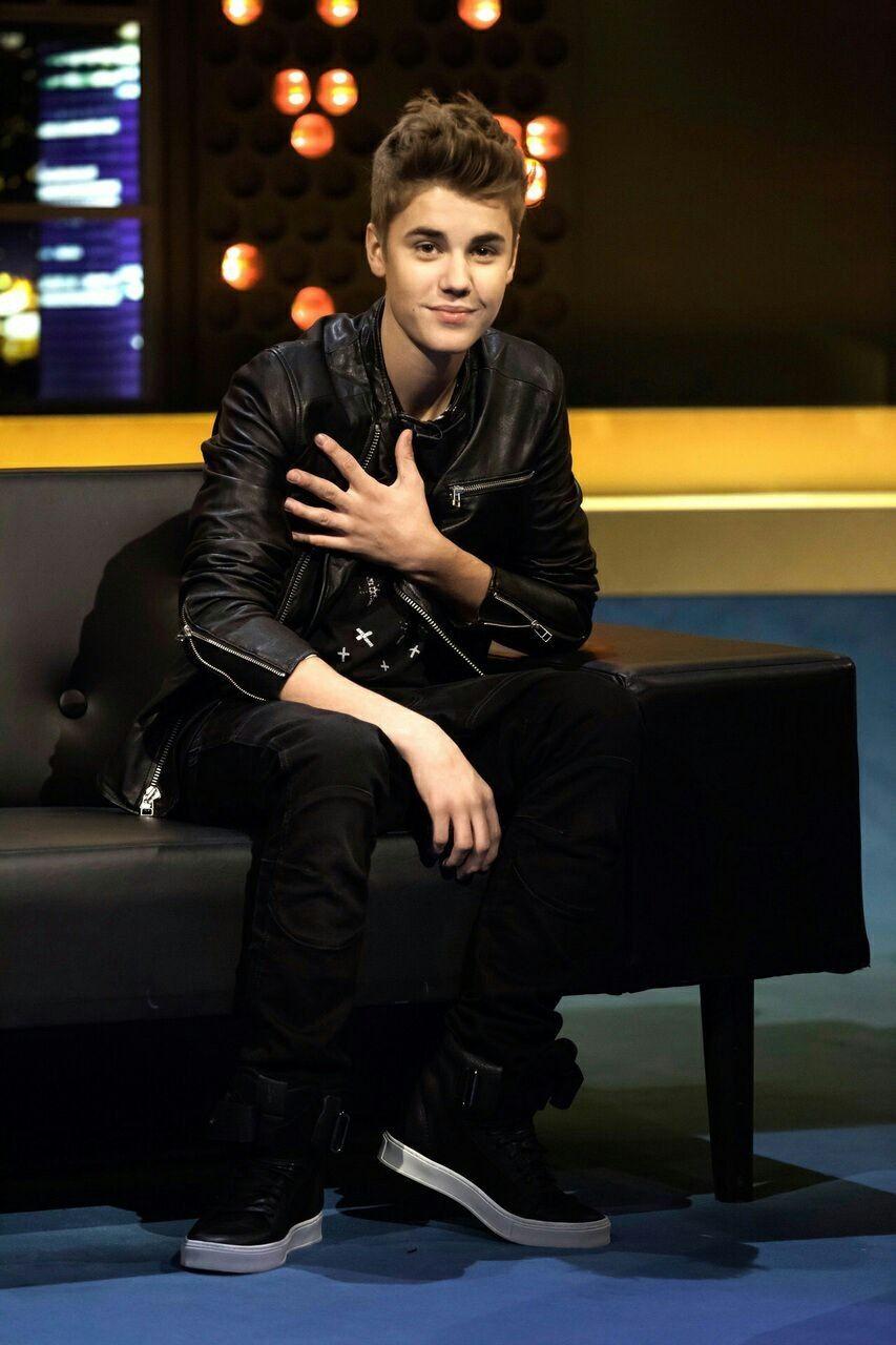Pin By Ruth Denrose On Rminavn Justin Bieber Love Justin Bieber I Love Justin Bieber [ 1280 x 853 Pixel ]