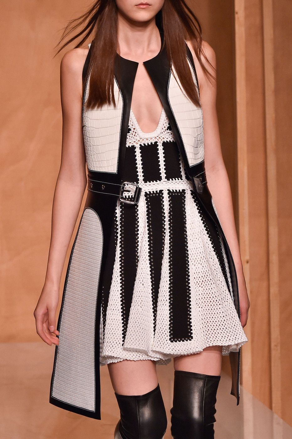 Givenchy Spring 2015 Runway Pictures - StyleBistro