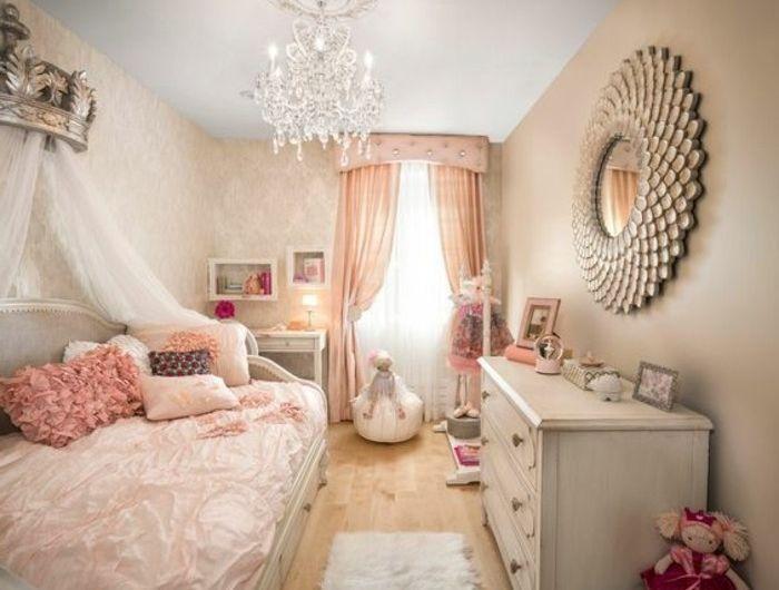0 chambre baroque decoration romantique sol en parquet clair deco en rose et beige