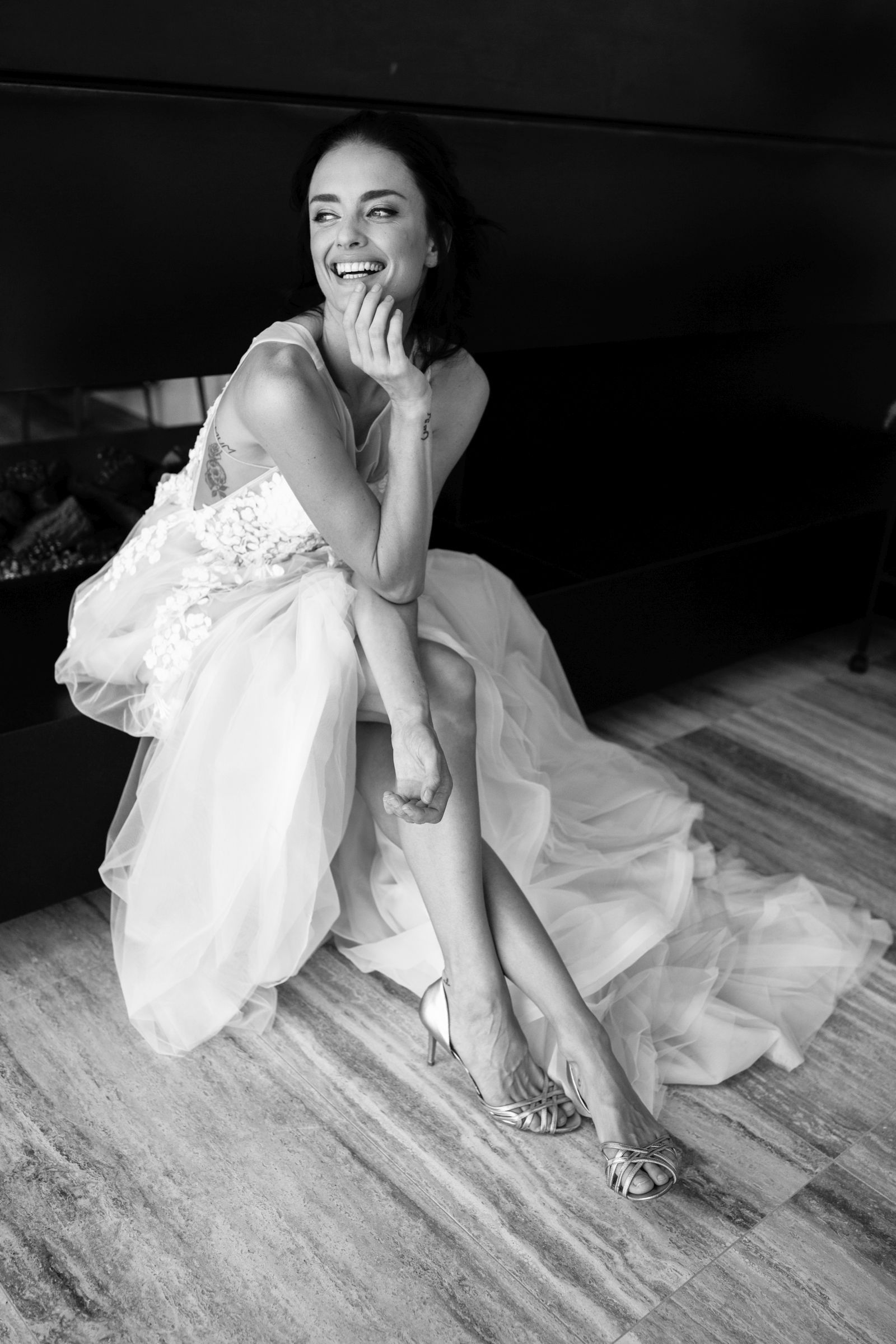 Mizelle full skirt wedding dress by Hera Couture, photography by Bek ...