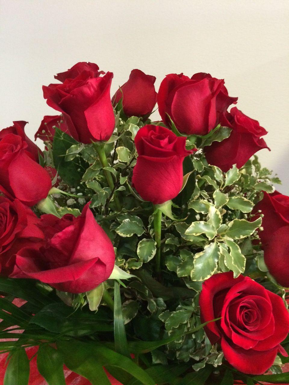 b67d51cca4500 Excelente ramo de rosas