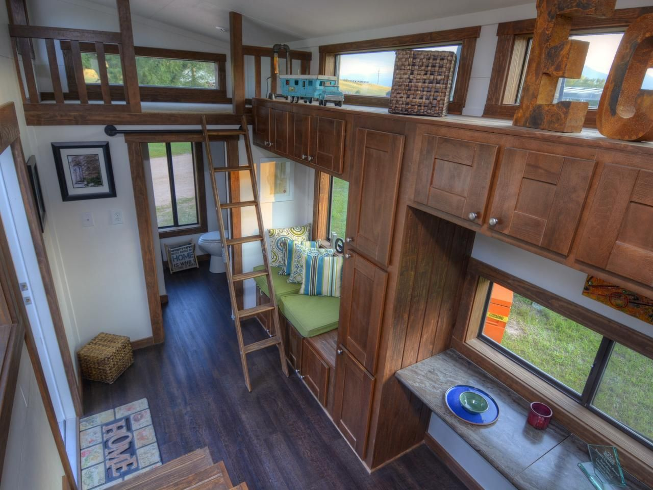 Tiny home interiors - 6 Tiny Houses That Squeeze Function Into Every Square Foot