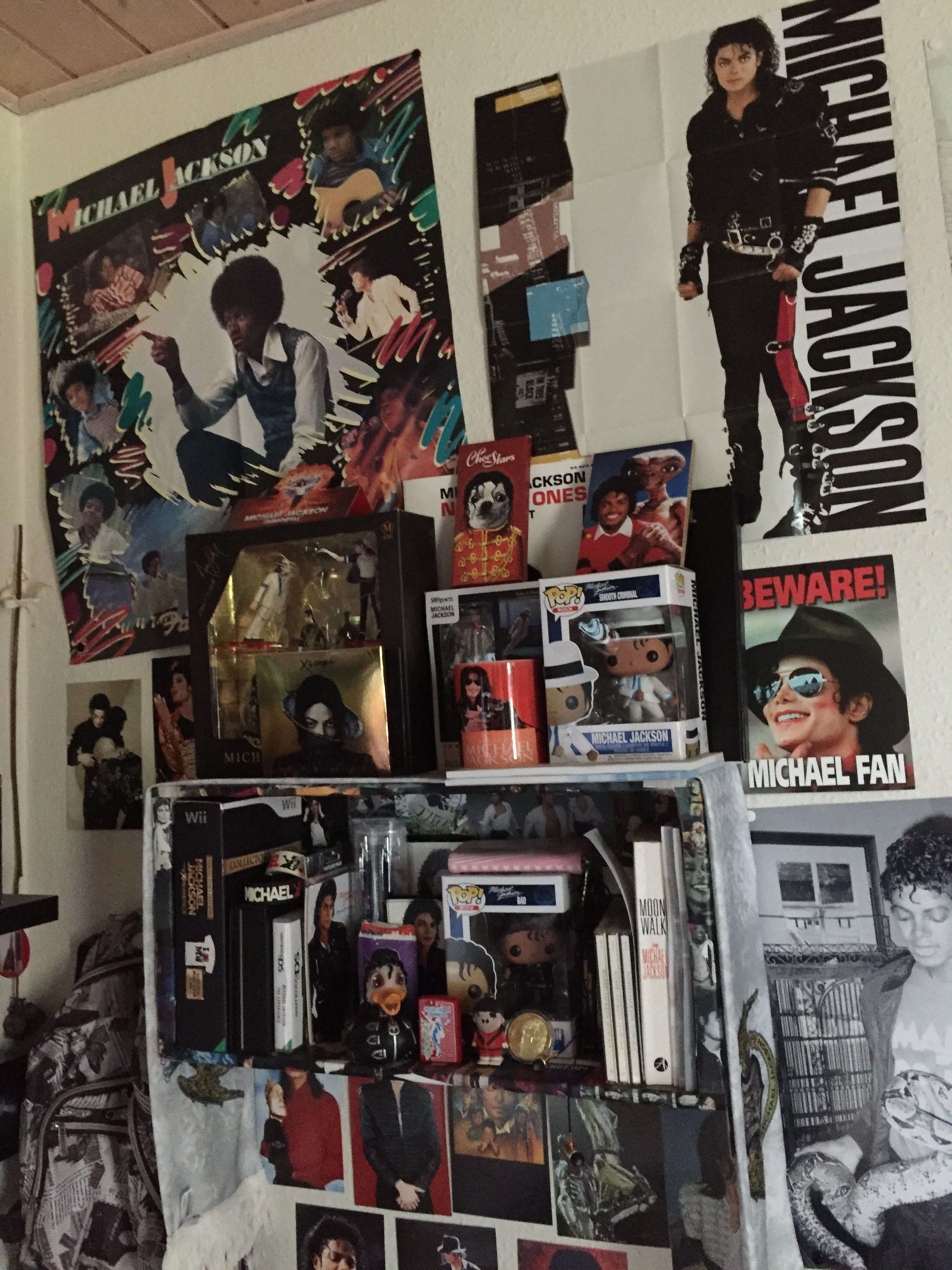 My Teenage Room Michael Jackson Wallpaper Michael Jackson Neverland Michael Jackson Merchandise
