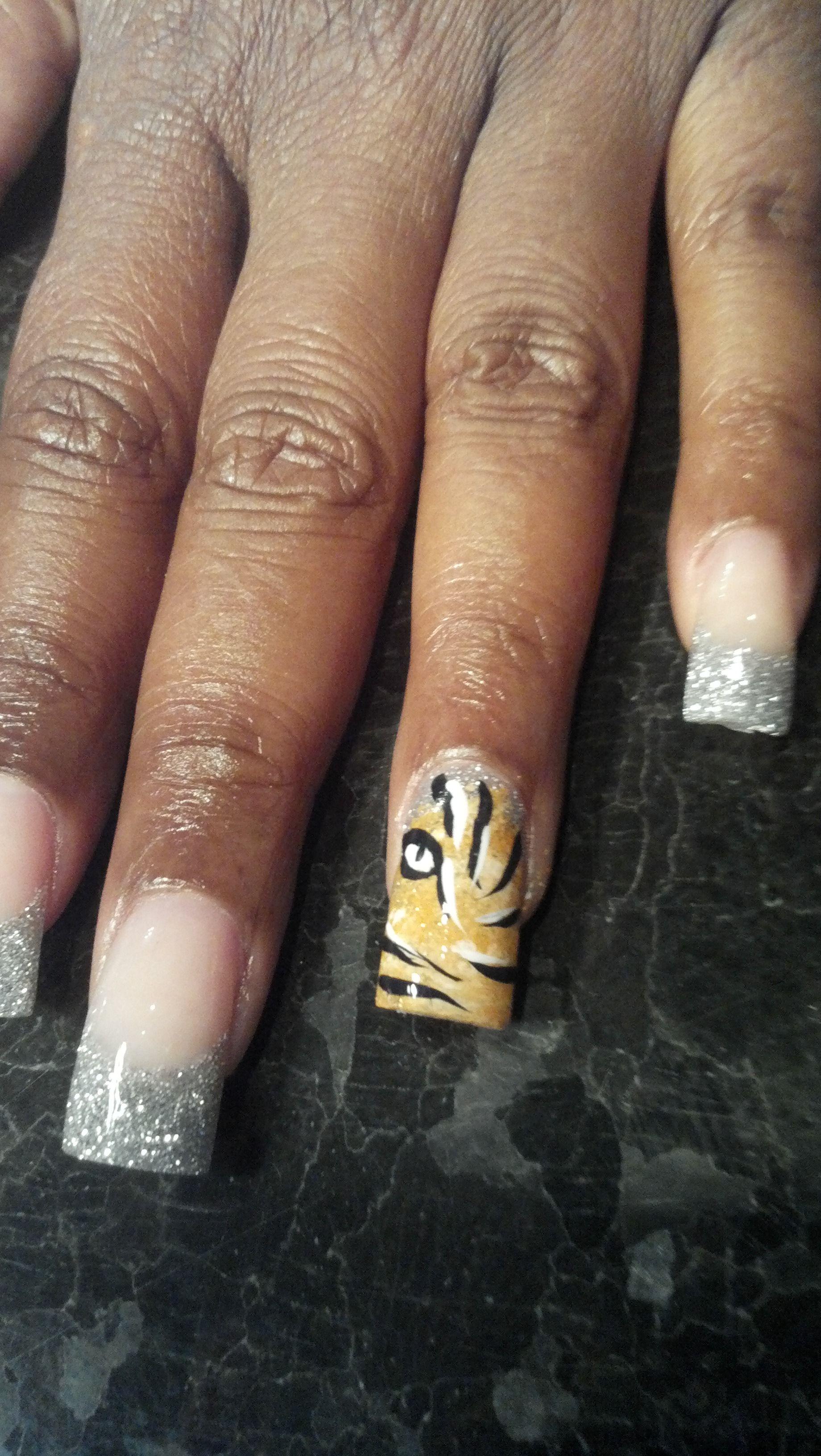 Nail Art Lion Head | Nail Art by Lisa Rafuse | Pinterest