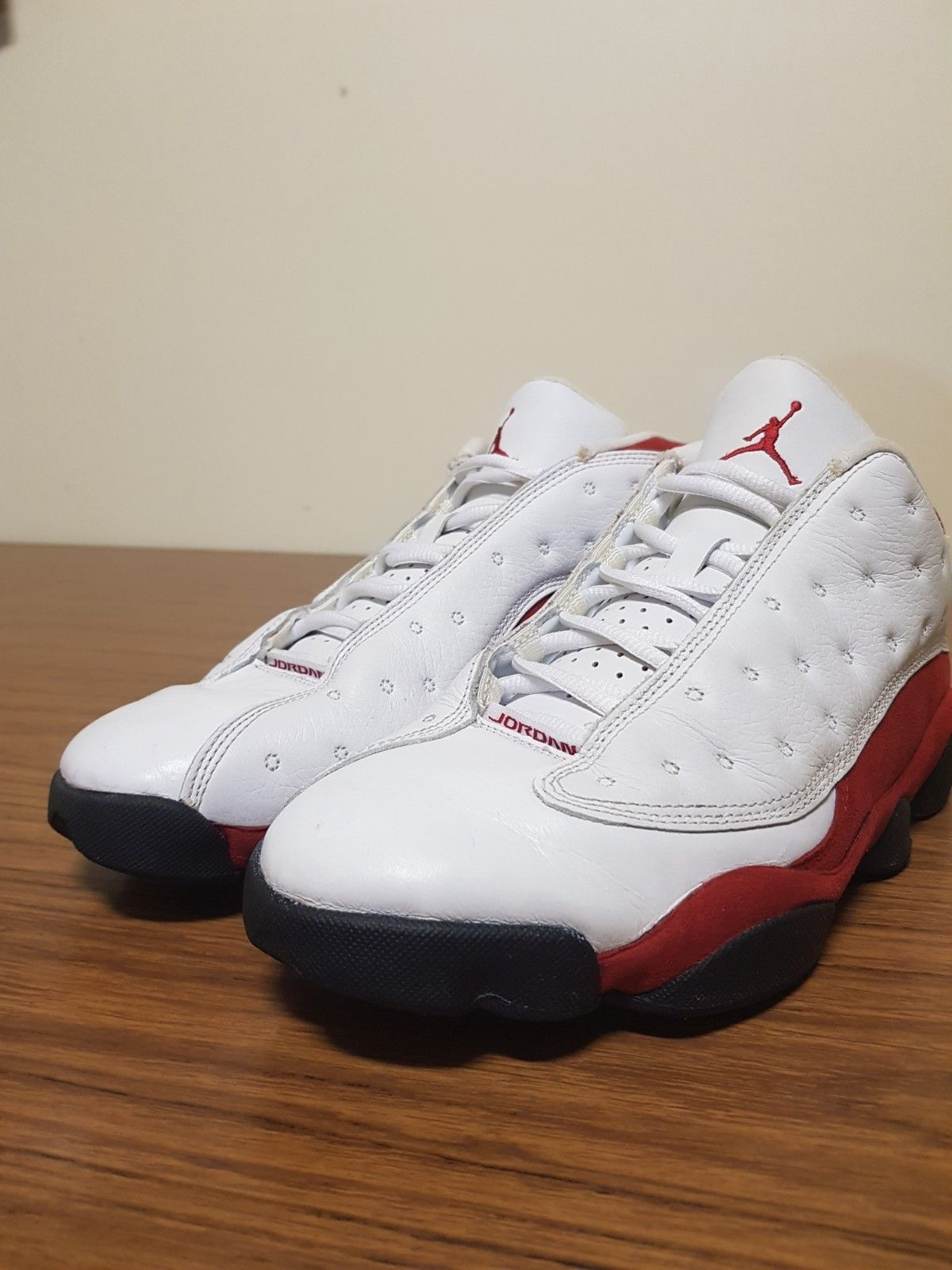b25466a1689007 Nike Air Jordan 13 Retro Low Mens Basketball Shoes Size US 9 USED (Red