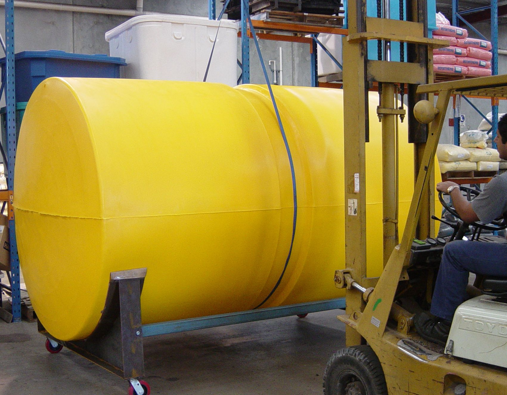 Alliance Moulding Is A Rotational Moulding Company That Manufactures Poly Water Tanks Perth Has Never Had Such An Efficient Man Water Tank Manufacturing Perth