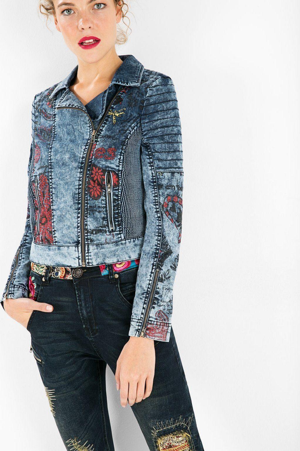 9e7c5832fb0a Veste en jean imprimé Moto Cors Desigual pas cher prix Veste en jeans Femme  Desigual 149.00 €