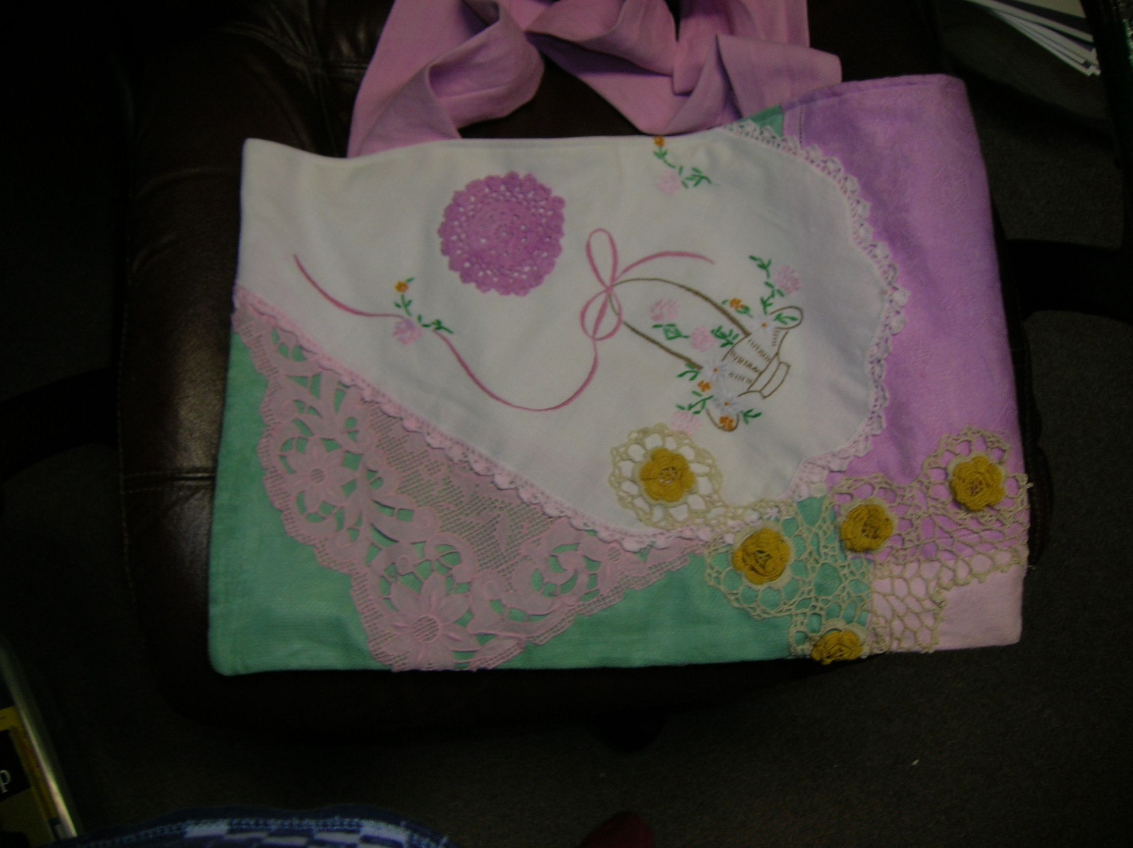 Look What Suzanne Made!! A tote bag from old linens and handdyed fabric, very nice!