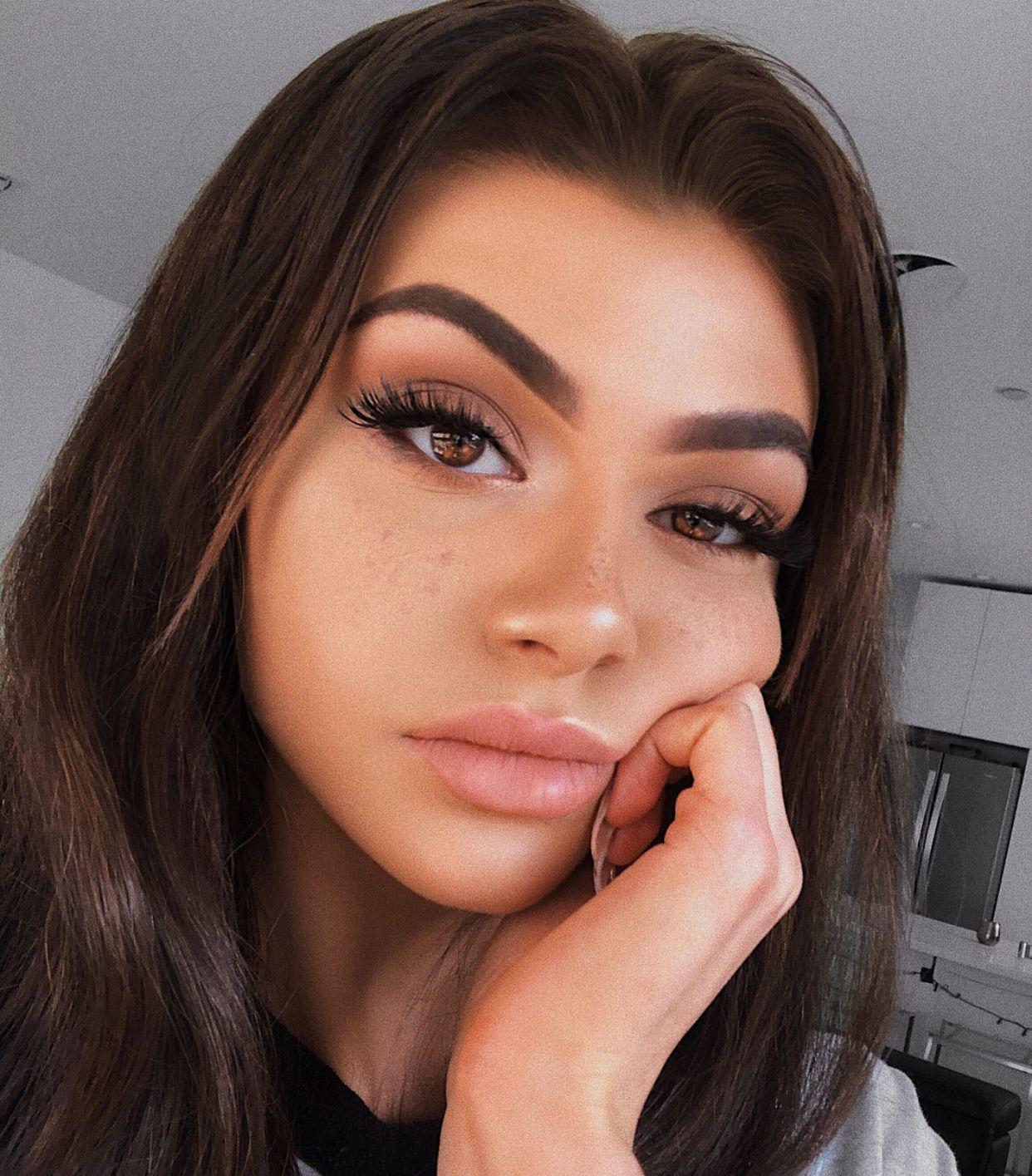 Pinterest: Bella_DeLeon  Day makeup, Valentines day makeup