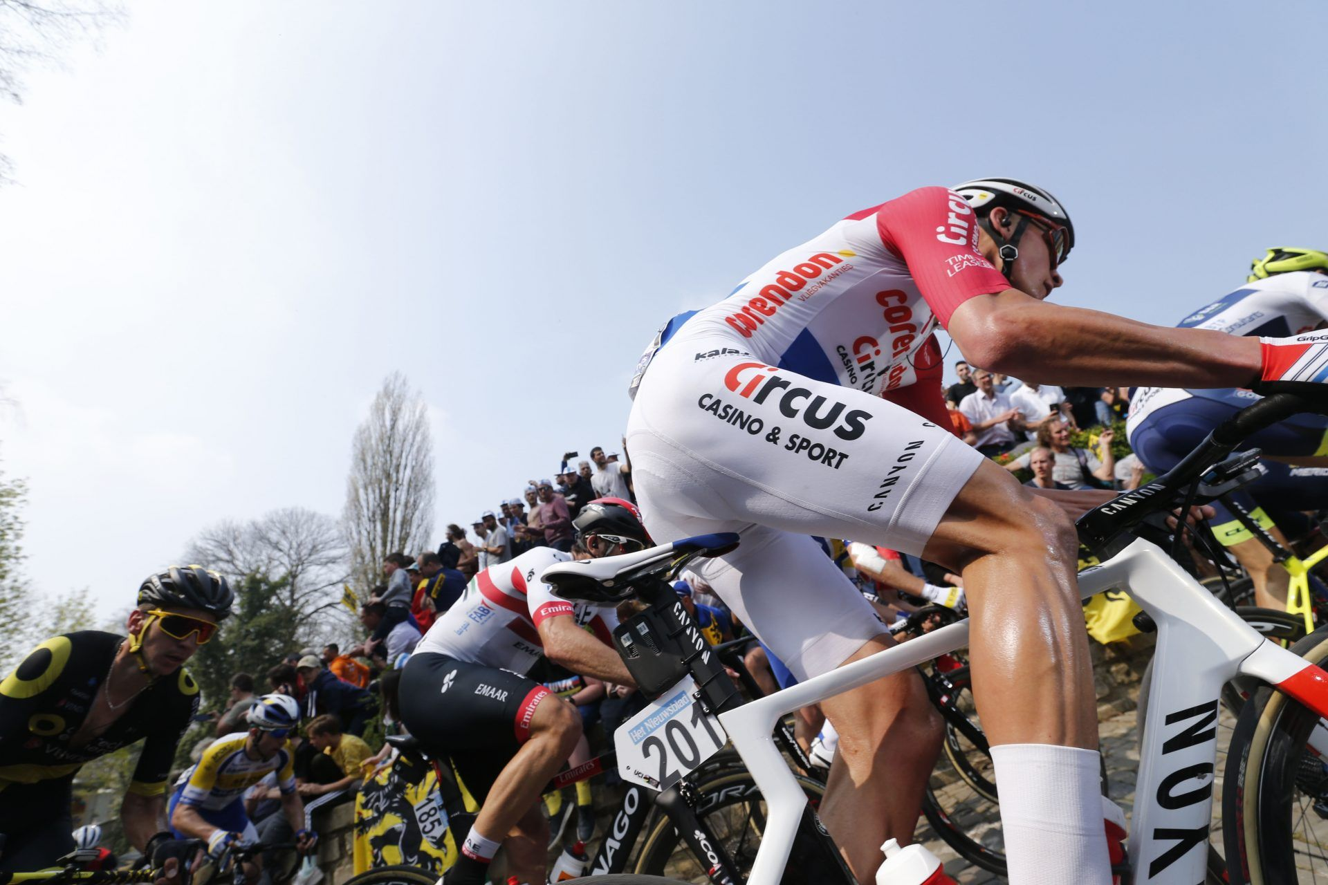 mathieu van der poel wore white shorts