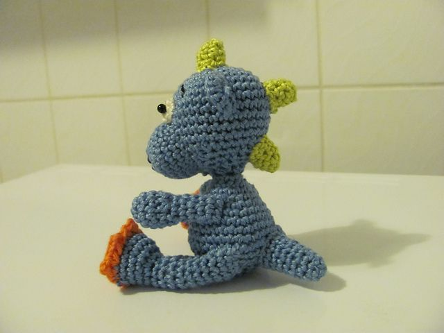 Amigurumi Baby Dragon : Free pattern darling little baby dragons knit and crochet daily