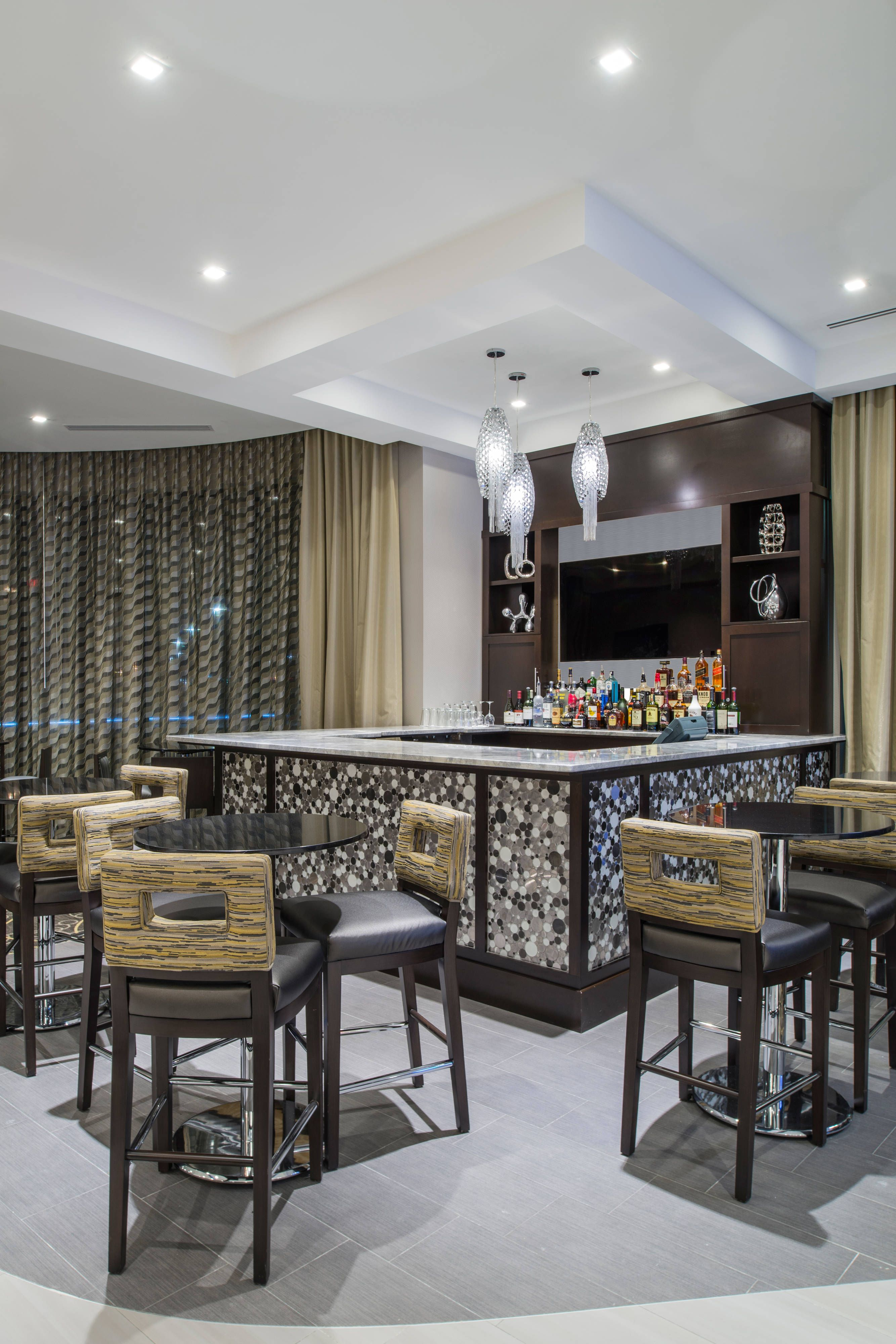 TownePlace Suites Boston Logan Airport/Chelsea Lobby Bar