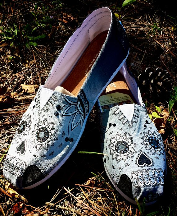 c7b7d64c099bb Astra (3 colors) in 2019   Skull crazy!   Shoes, Skull shoes, Toms ...