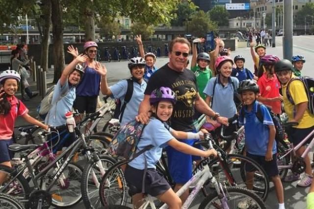 Arnold Schwarzenegger pulled over by Melbourne police - for riding bike without helmet | road.cc