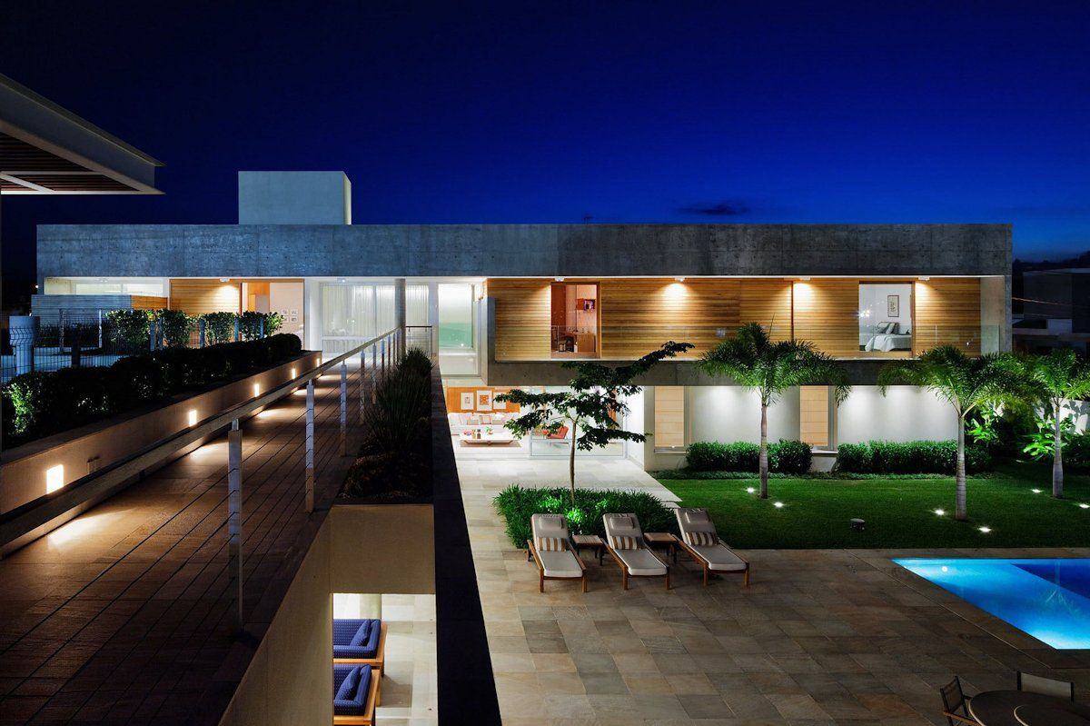 FG Residence by Reinach Mendonça Architects