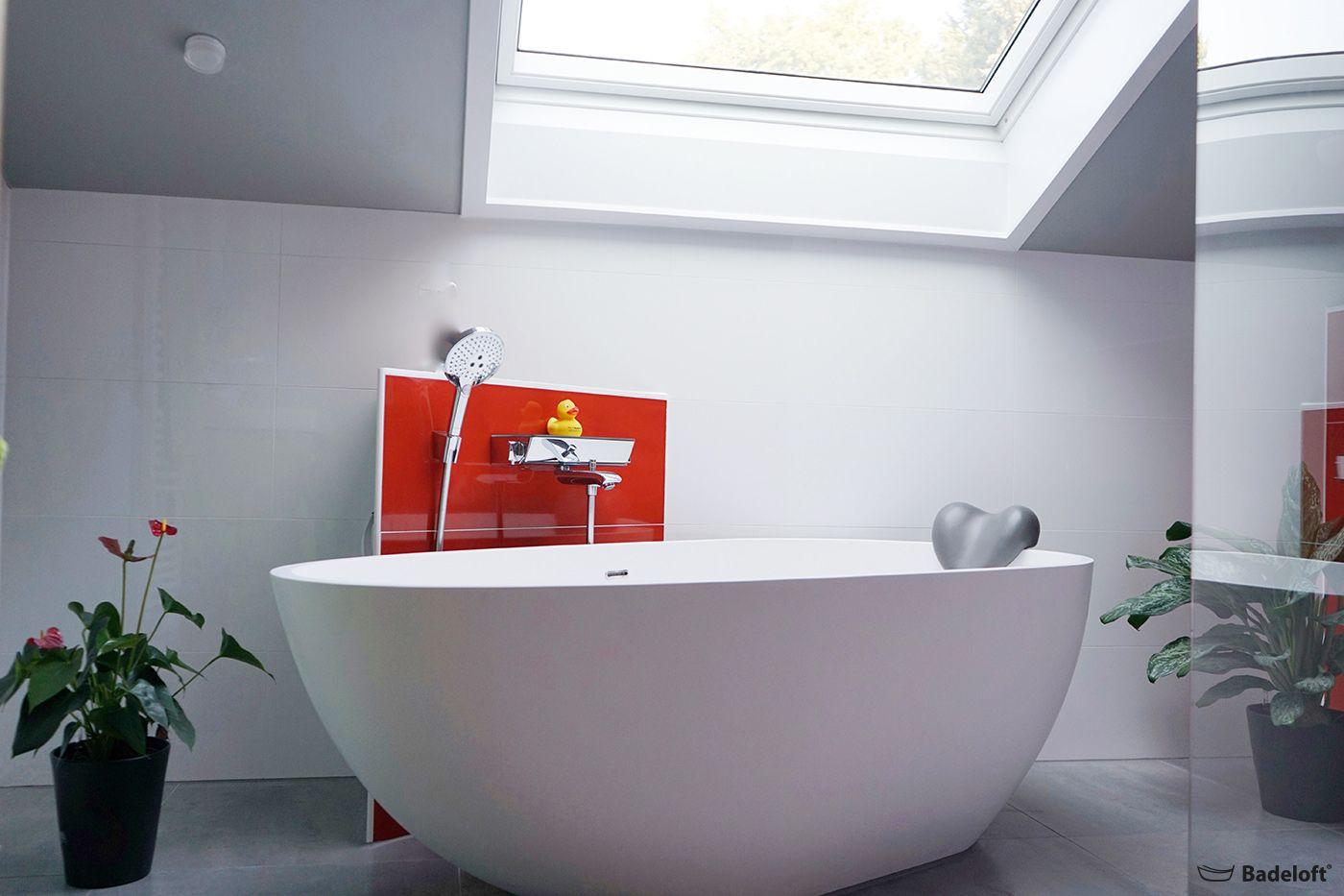 Jeder Hat Einen Anderen Geschmack Und Kann Ihn Nun Endlich Auch Im Badezimmer Mit Tollen Farben Und Besonderen Accessoires Auslebe Badewanne Duschsysteme Baden