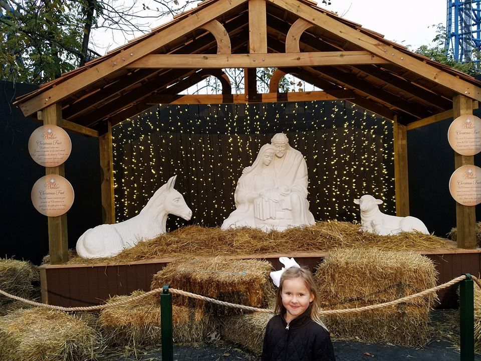 Holidays in the Park, Six Flags Eureka Outdoor nativity
