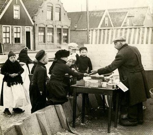 Klunen en koek en Zopie, een oerhollandse traditie. Bijna was hij er, de Elfstedentocht van 2012.