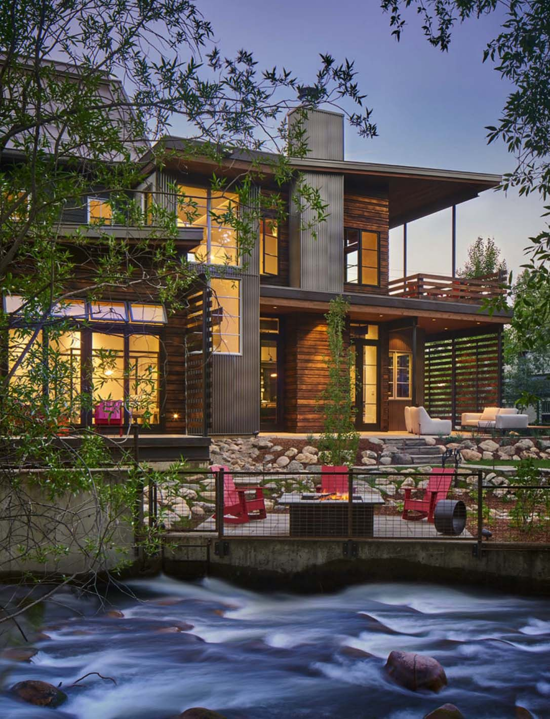 Inviting Mountain Modern Home Nestled Creekside In Steamboat Springs Contemporary House Contemporary Cottage Contemporary Farmhouse