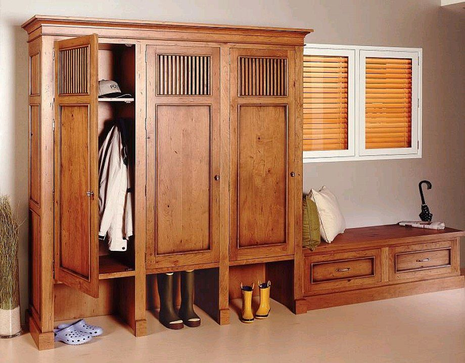 Mudroom lockers with doors traditional design wooden for Wood lockers with doors