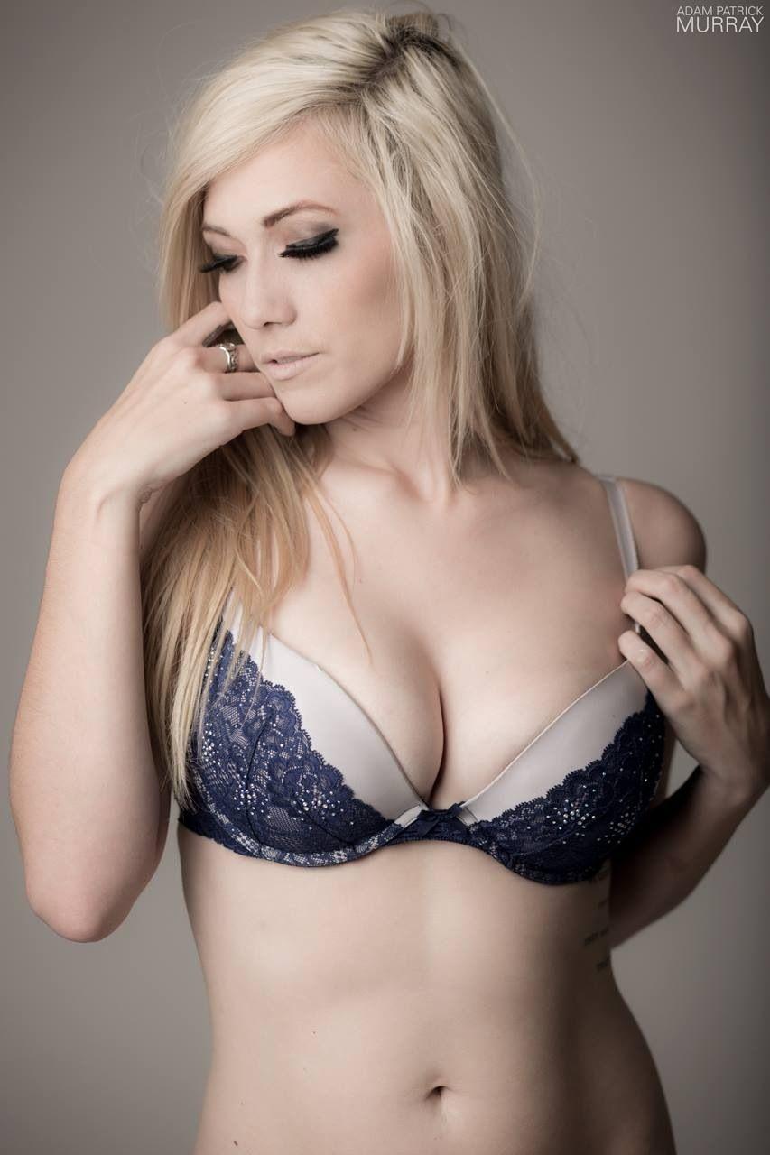 Elyse hot lindsay Lindsay Elyse