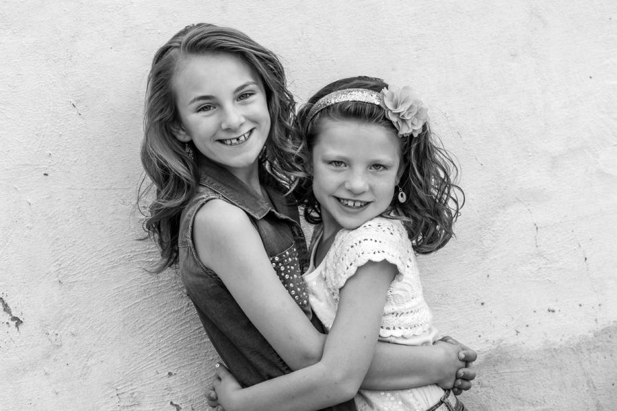 Trendy photography friends group girls sibling poses ideas