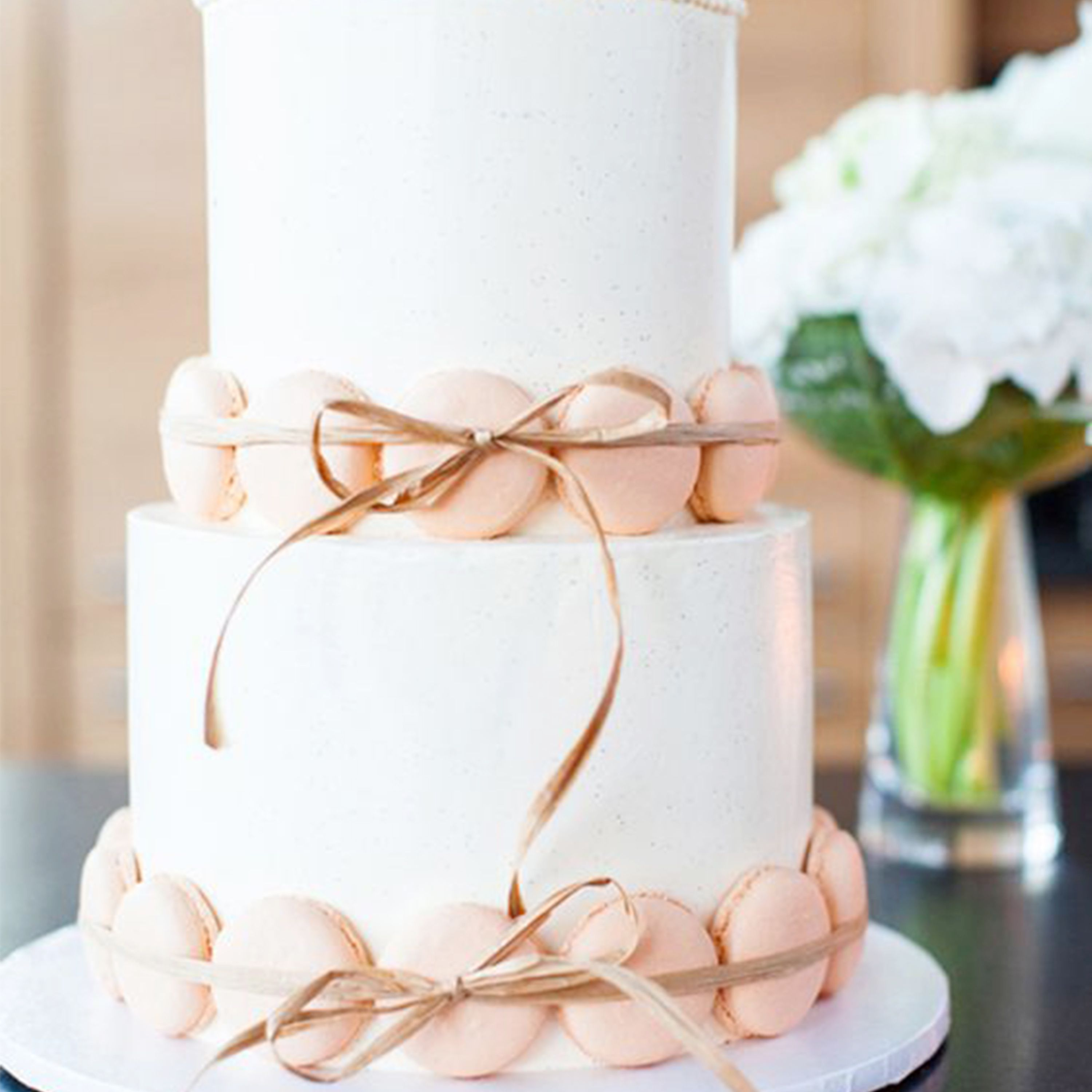 We Love This Simple Wedding Decorated With Macrons What Cake Will You Be Having