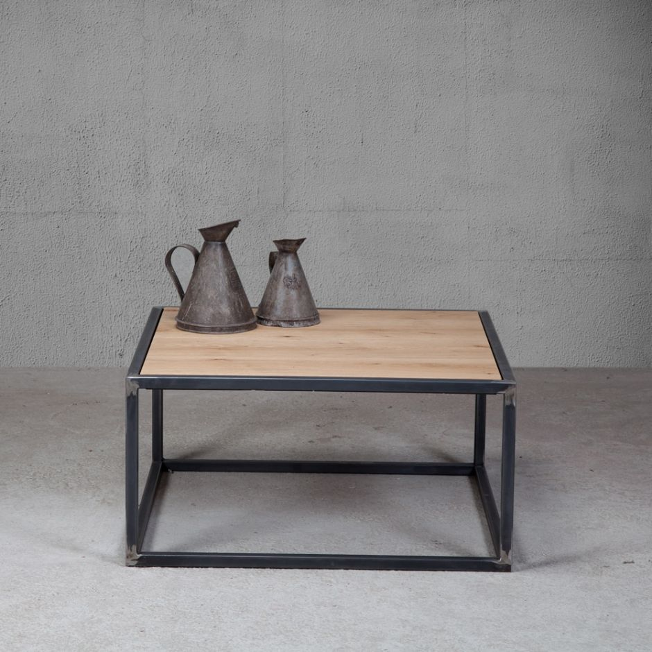 Tavolino industriale in rovere antico lo stile minimal for Stile minimal chic