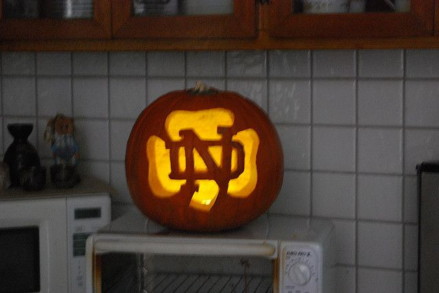 notre dame pumpkin template  Notre Dame Pumpkin 6 | Pumpkin carving, Halloween pumpkin ...