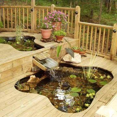 8 idées de bassin de jardin pour dynamiser la déco extérieure - terrasse bois avec bassin